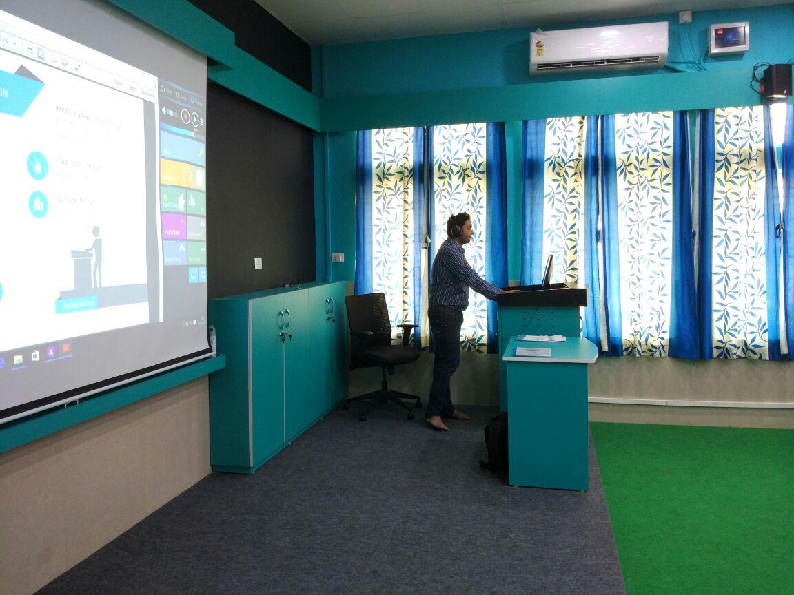 Modern language lab software